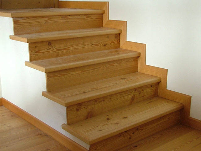 Scale e mobili in legno pavimenti zanon posa di for Rivestire una scala in legno