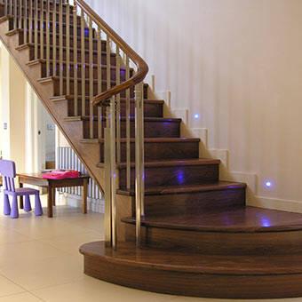 Scale e mobili in legno 3