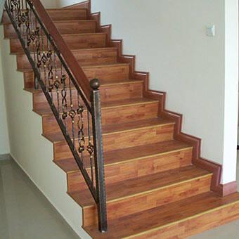 Scale e mobili in legno 4