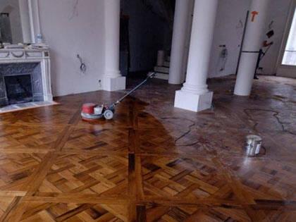 Levigatura e verniciatura pavimenti in legno esistenti